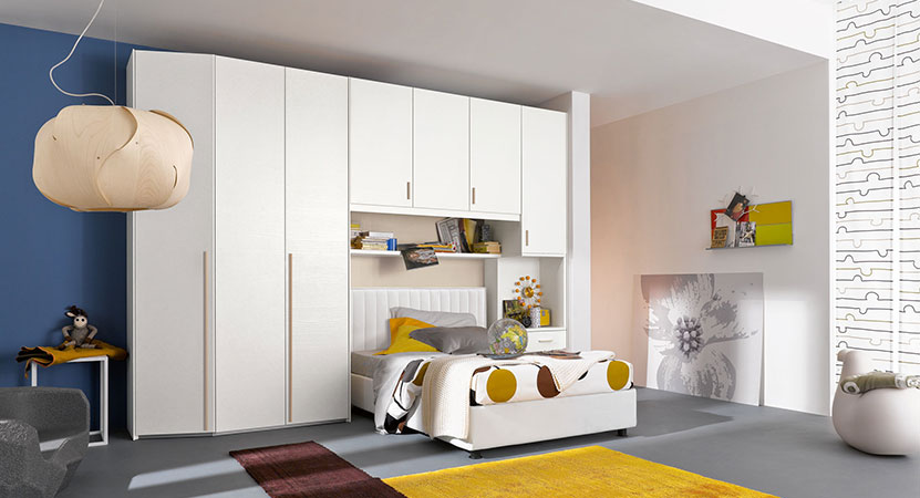 Camera armadi sistema letto camere classiche moderne in for 3 arredamenti